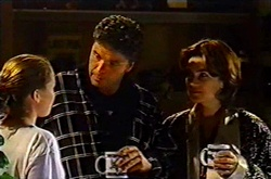 Michelle Scully, Joe Scully, Lyn Scully in Neighbours Episode 3753
