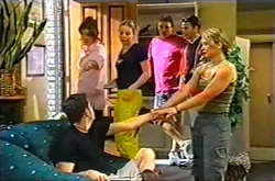 Lyn Scully, Michelle Scully, Joe Scully, Jack Scully, Steph Scully, Larry Woodhouse (Woody) in Neighbours Episode 3753