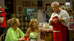 Janelle Timmins, Janae Timmins, Lou Carpenter in Neighbours Episode 4738