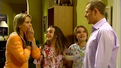 Steph Scully, Summer Hoyland, Bree Timmins, Max Hoyland in Neighbours Episode 4739