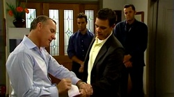 Tony Corbett, Paul Robinson in Neighbours Episode 4744