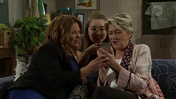 Terese Willis, Piper Willis, Kathy Carpenter in Neighbours Episode 7491