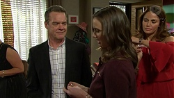 Paul Robinson, Amy Williams, Elly Conway in Neighbours Episode 7491