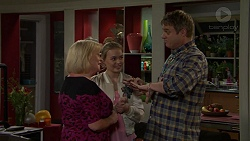 Sheila Canning, Xanthe Canning, Gary Canning in Neighbours Episode 7492