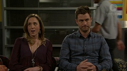 Sonya Rebecchi, Mark Brennan in Neighbours Episode 7492