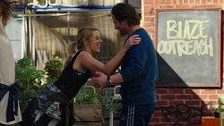 Simone Bader, Brad Willis in Neighbours Episode 7494