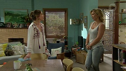 Sonya Rebecchi, Steph Scully in Neighbours Episode 7494