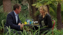 Paul Robinson, Steph Scully in Neighbours Episode 7496