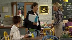 Susan Kennedy, Lou Carpenter, Chantrea Banks, Lauren Turner in Neighbours Episode 7498