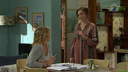 Steph Scully, Sonya Mitchell in Neighbours Episode 7499