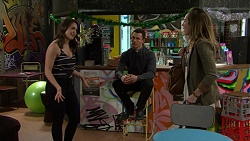 Paige Novak, Jack Callaghan, Sonya Mitchell in Neighbours Episode 7500
