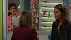 Susan Kennedy, Piper Willis, Elly Conway in Neighbours Episode 7502