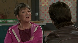 Maxine Cowper, Brad Willis in Neighbours Episode 7504