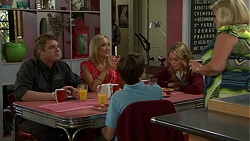 Gary Canning, Brooke Butler, Jimmy Williams, Xanthe Canning, Sheila Canning in Neighbours Episode 7505
