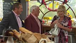 Toadie Rebecchi, Lou Carpenter, Trixie Tucker in Neighbours Episode 7505