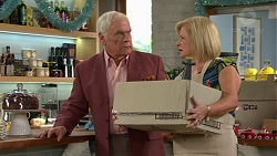 Lou Carpenter, Sheila Canning in Neighbours Episode 7505