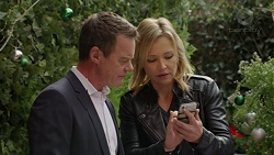 Paul Robinson, Steph Scully in Neighbours Episode 7505