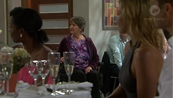 Maxine Cowper, Steph Scully in Neighbours Episode 7510