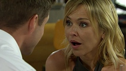 Mark Brennan, Steph Scully in Neighbours Episode 7510