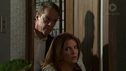Paul Robinson, Terese Willis in Neighbours Episode 7510