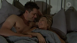 Mark Brennan, Steph Scully in Neighbours Episode 7511