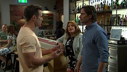 Aaron Brennan, Terese Willis, Brad Willis in Neighbours Episode 7514
