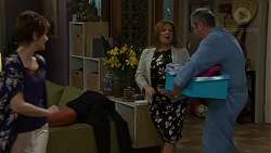 Susan Kennedy, Terese Willis, Karl Kennedy in Neighbours Episode 7514