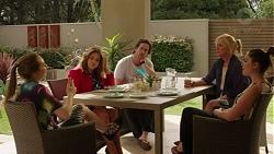Piper Willis, Terese Willis, Brad Willis, Lauren Turner, Paige Novak in Neighbours Episode 7518