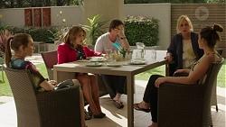Piper Willis, Terese Willis, Brad Willis, Lauren Turner, Paige Novak in Neighbours Episode 7519