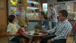 Jimmy Williams, Xanthe Canning, Amy Williams, Ben Kirk, Paul Robinson in Neighbours Episode 7520