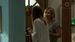 Sonya Mitchell, Steph Scully in Neighbours Episode 7521