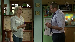 Andrea Somers (posing as Dee), Toadie Rebecchi in Neighbours Episode 7521