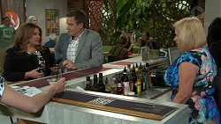 Terese Willis, Paul Robinson, Sheila Canning in Neighbours Episode 7522