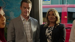 Paul Robinson, Terese Willis in Neighbours Episode 7522