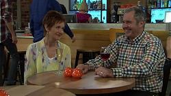 Susan Kennedy, Karl Kennedy in Neighbours Episode 7526