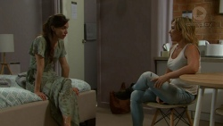 Victoria Lamb, Steph Scully in Neighbours Episode 7526