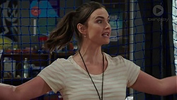 Amy Williams in Neighbours Episode 7527