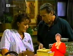 Pam Willis, Doug Willis in Neighbours Episode 2106