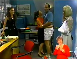 Gaby Willis, Julie Robinson, Philip Martin, Helen Daniels in Neighbours Episode 2106