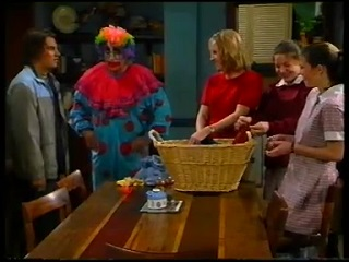 Joel Samuels, Philip Martin, Ruth Wilkinson, Hannah Martin, Anne Wilkinson in Neighbours Episode 3142