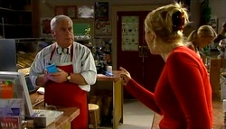 Lou Carpenter, Janelle Timmins in Neighbours Episode 4749