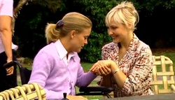 Kelly Weaver, Sindi Watts in Neighbours Episode 4749