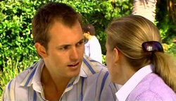 Stuart Parker, Kelly Weaver in Neighbours Episode 4749
