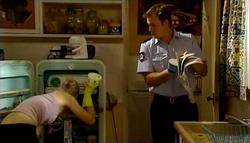 Sindi Watts, Stuart Parker in Neighbours Episode 4751