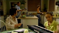Max Hoyland, Steph Scully, Lyn Scully, Summer Hoyland in Neighbours Episode 4754