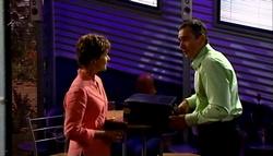 Susan Kennedy, Karl Kennedy in Neighbours Episode 4758