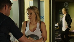 Mark Brennan, Steph Scully in Neighbours Episode 7529