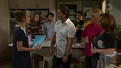 Piper Willis, Paige Novak, David Tanaka, Brad Willis, Ned Willis, Lauren Turner, Terese Willis in Neighbours Episode 7533
