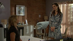 Steph Scully, Victoria Lamb in Neighbours Episode 7536
