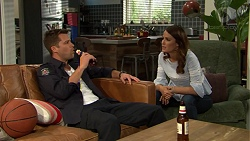 Mark Brennan, Elly Conway in Neighbours Episode 7539